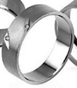 Aliança White Diamonds 2 Diamante Rasgos Chapa Acetinada 7mm DAL016B